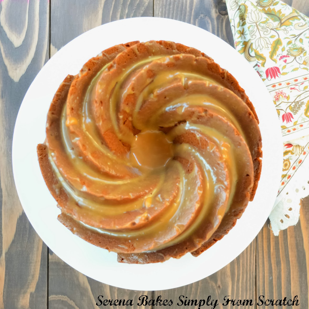 How To Drizzle Icing Over A Bundt Cake