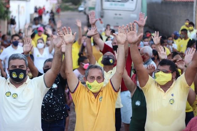 Caminhada dá início à campanha de Dr. Carlim em Demerval Lobão