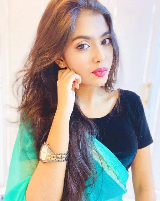 Beautiful Indian Model Pic