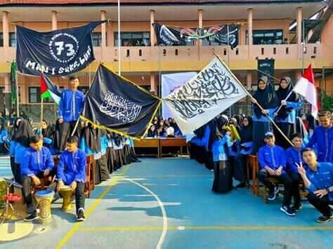 Mereka Ketakutan dengan Hebohnya Bendera Tauhid di MAN Sukabumi