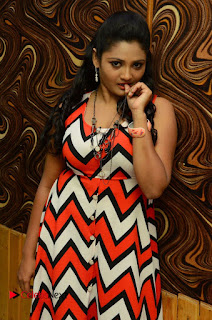 Vasavi Reddy Latest Picture Gallery ~ Bollywood and South Indian Cinema Actress Exclusive Picture Galleries