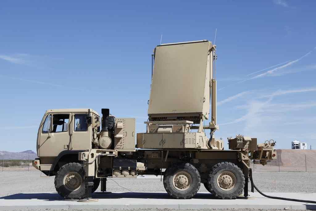 TPQ-36+Firefinding+Radar+High-Mobility+Weapon+2.jpg