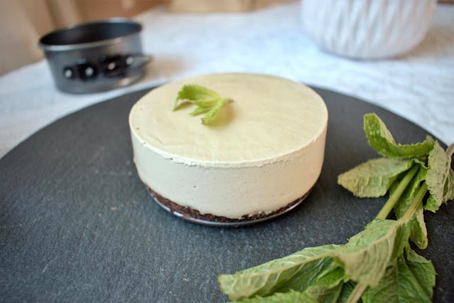 Mint Chocolate Vegan Cheesecake