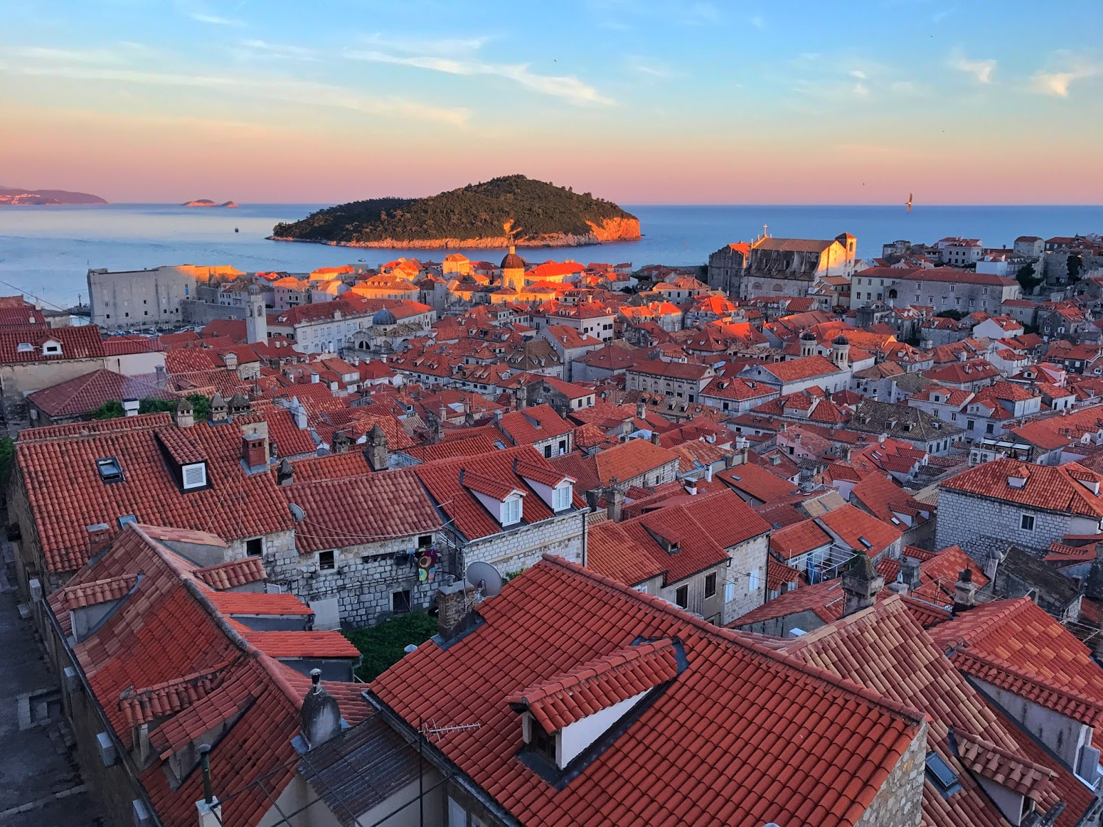 Croatia Itinerary 7 Days in Dubrovnik - Best Things to Do!- sunset view from Dubrovnik Old Town old city walls