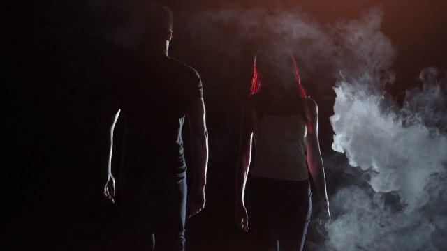 "SKAGS: Video για το νέο single ""The Man Sitting Right Next Door"""