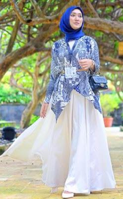 Baju atasan batik bawahan rok panjang wanita muslimah