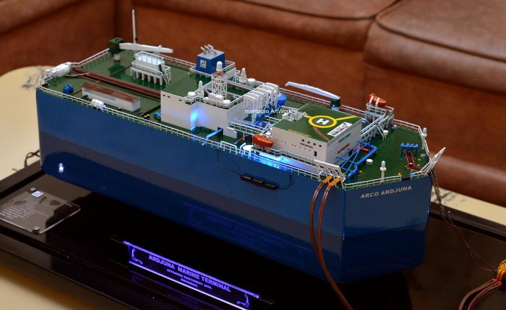 miniatur kapal fso arco ardjuna floating storage offloading vessel milik pertamina phe onwj