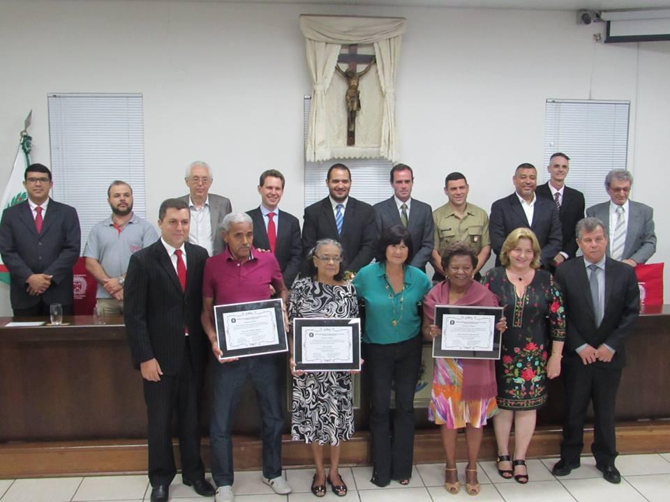 Câmara Municipal presta homenagem a atiradores, músicos, mecânicos, e afrodescendentes