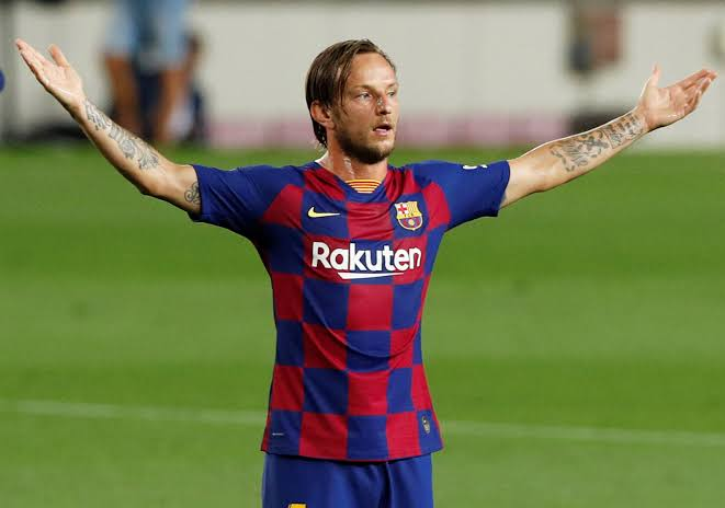 Arsenal boss Mikel Arteta calls Ivan Rakitic to convince him to join Arsenal