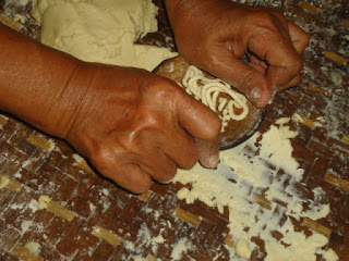 Cara cetak kue unthuk cacing