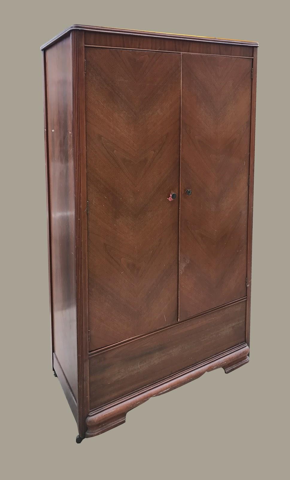 Cedar Closets 3 Nails 4 U Construction: Uhuru Furniture & Collectibles: 1940s Cedar Closet
