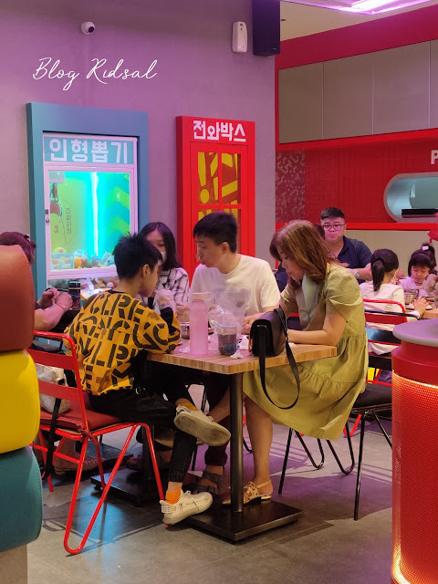 Jinjja Chicken - Satu Lagi Tempat Makan Korea di Medan (Part 2) - Ruangan
