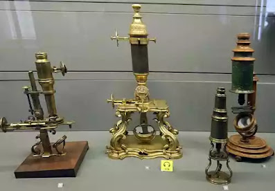 microscope ki khoj kisne ki