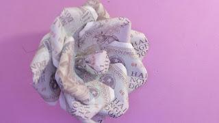 hướng dẫn cách làm hoa hồng bằng tiền giấy