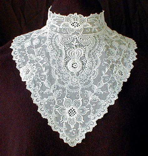 манишка на платье 19 в