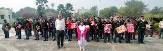 पूविवि परिसर के सुरक्षाकर्मियों को कुलपति ने बांटे कम्बल   #NayaSaberaNetwork