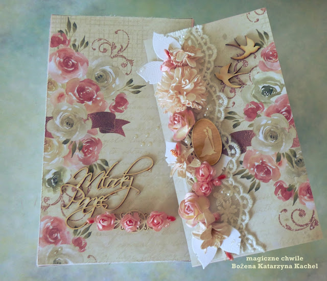 Ślub z różowymi różyczkami
