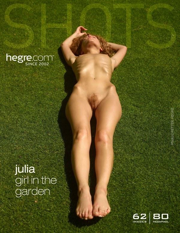 1487232354_julia-girl-in-the-garden-board [Art] Julia - Girl In The Garden