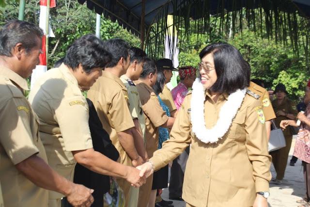 Wakil Bupati Gumas Lantik Empat Puluh Anggota BPD dari Delapan Desa