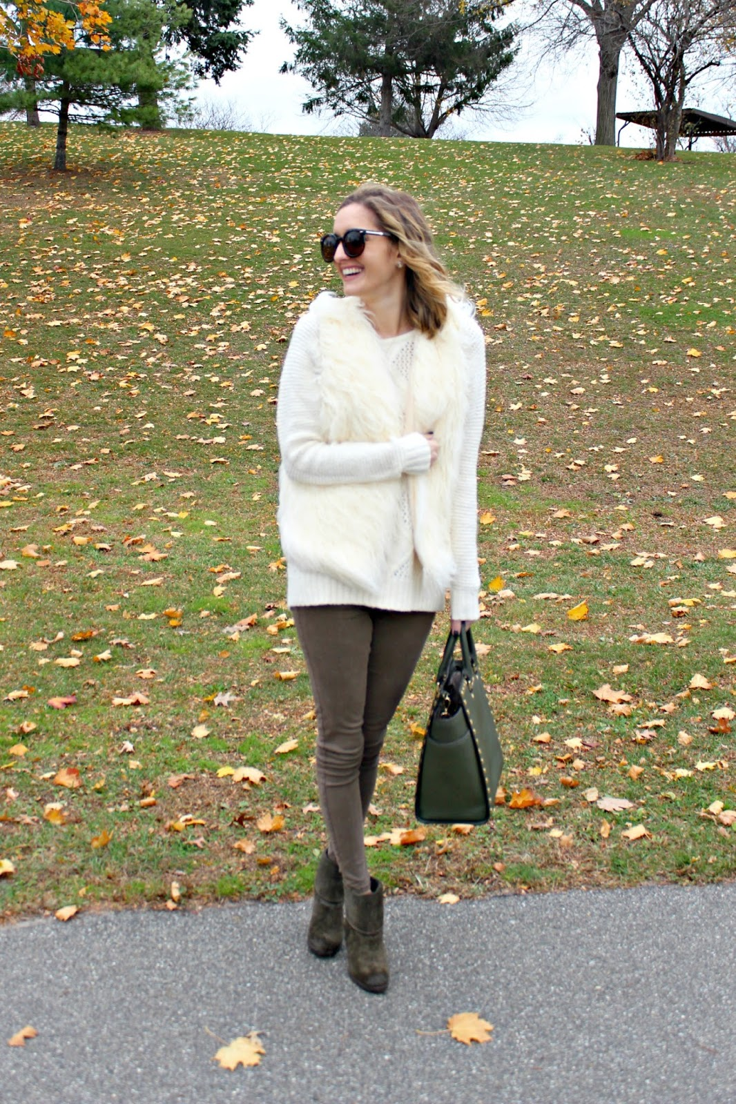 cozy and comfortable thanksgiving look