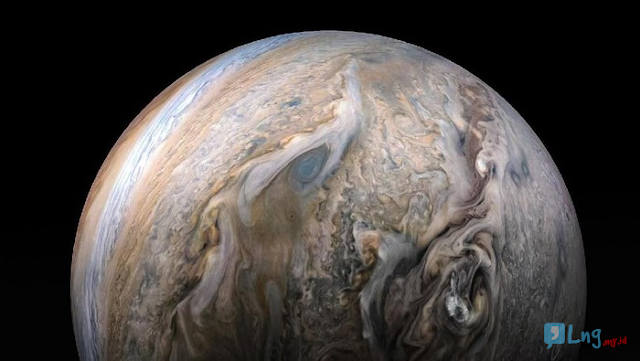 Benarkah Jupiter Melindungi Bumi dari Batu yang Bertebaran di Angkasa?