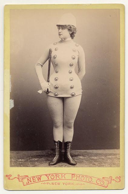 Burlesque dancers of the 1890s randommusings.filminspector.com