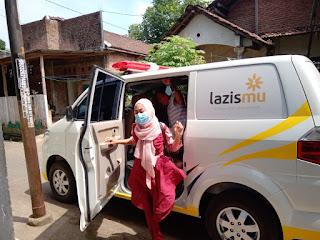 Ambulance lazismu Jepara Bantu Warga Pecangaan Kulon Yang Terkena Stroke Ke RSUD RA Kartini Jepara