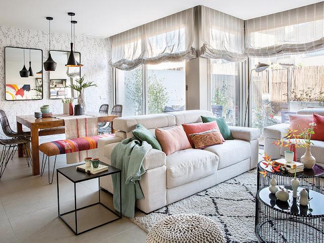 Decor cald, primitor și luminos pentru o casă nou construită
