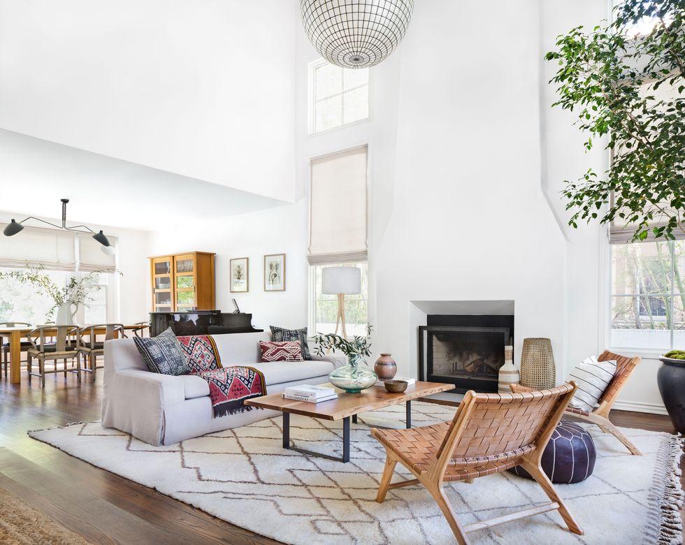 A bright white California home with Mediterranean touches