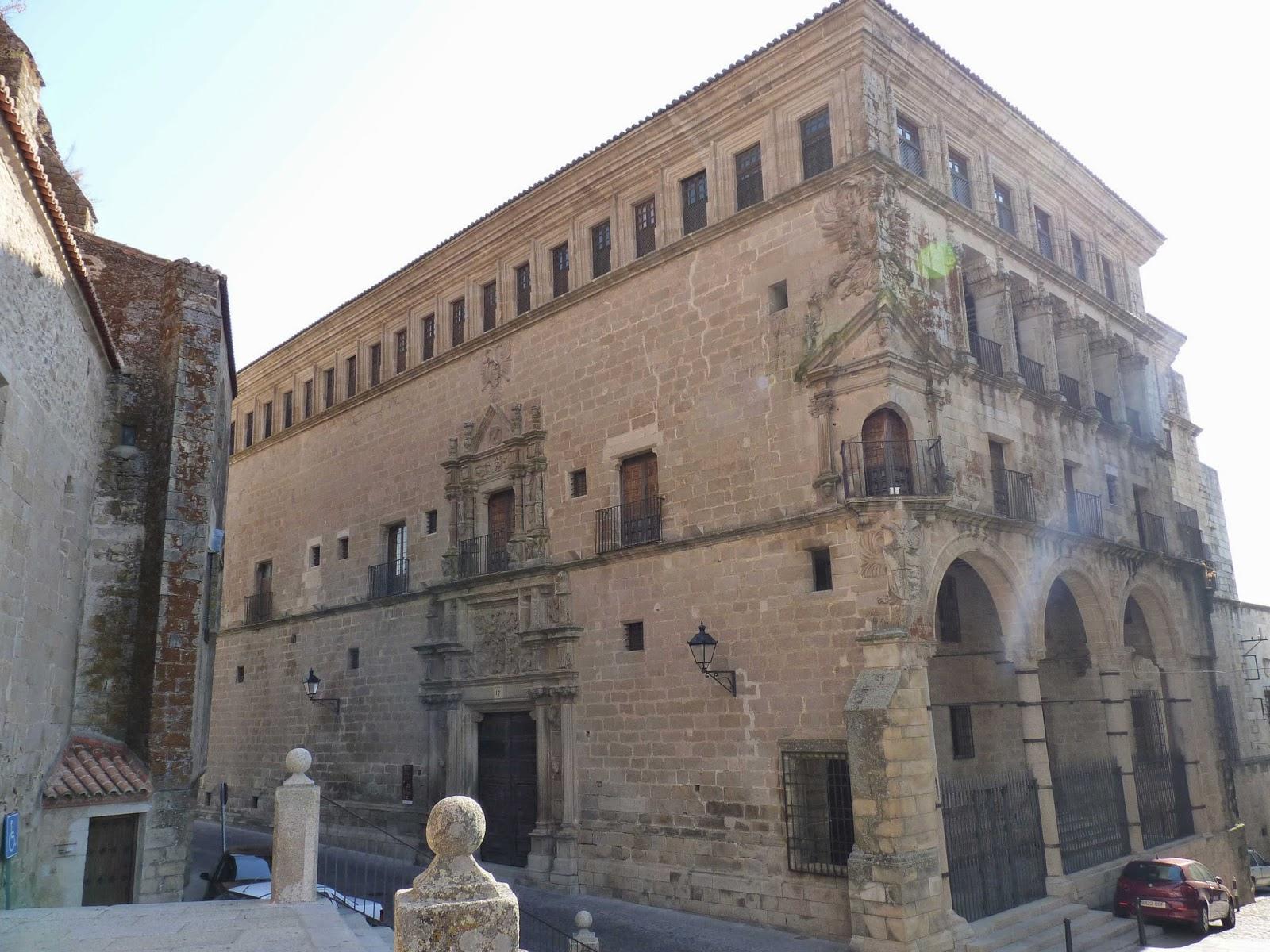 Palacio Carvajal-Vargas o de los Duques de San Carlos.