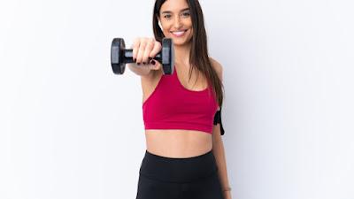 5 hal yang wajib Anda lakukan sebelum latihan mengangkat beban