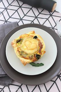 Brokkoli Quiche mit Herz, Rezept gibt es beim Südtiroler Food- und Lifestyleblog kebo homing, Foodstyling und Fotografie