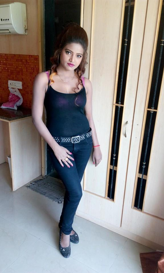 Diya Singh is the hottest actress of Bhojpuri Film Industry