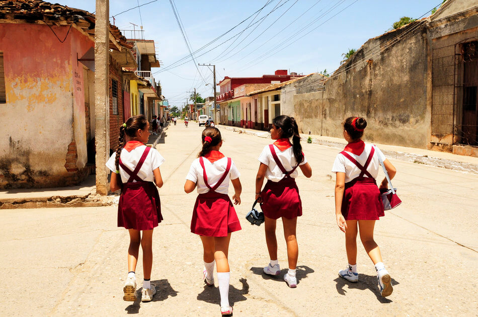 55 Stunning Photographs Of Girls Going To School In Different Countries - Cuba