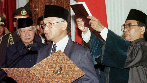 Kisah Kekecewaan Soeharto pada Habibie