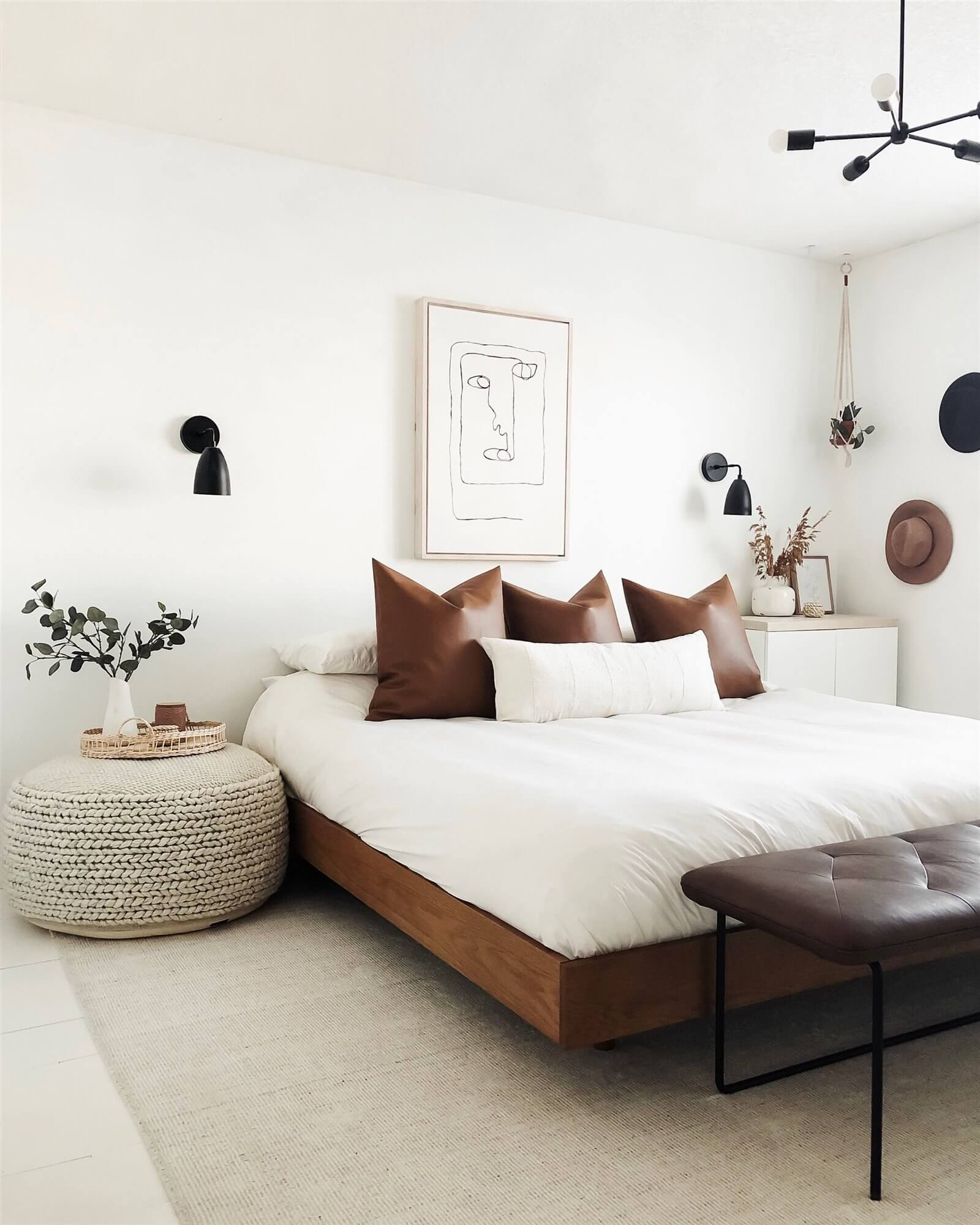 Mini bed bedroom without headboard