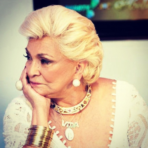 Hebe Camargo jóia da Lidia Sayege
