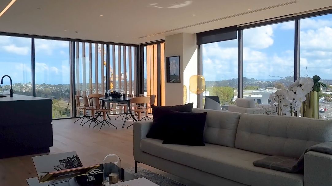 19 Interior Design Photos vs. 254 Kepa Rd #404/250, Horizon, New Zealand Luxury Condo Tour