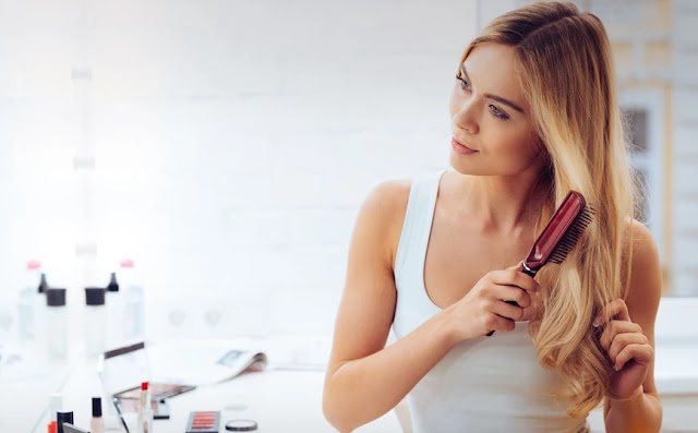 Λιπαρά μαλλιά: Τι προκαλεί λιπαρότητα και πώς να την αντιμετωπίσετε