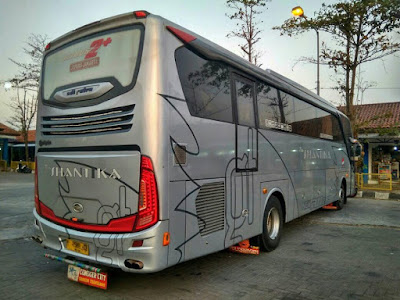 Foto Bus New Shantika Big Top 6