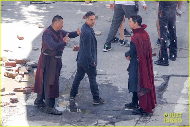 А вот и новые фото со съемок третьих Мстителей!