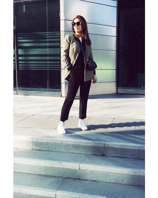 khaki blazer outfit woman