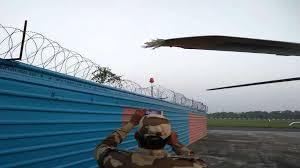 पटना एयरपोर्ट पर हादसा, रविशंकर प्रसाद समेत मंत्रियों के उतरने के बाद हेलिकॉप्टर का विंग टकराया