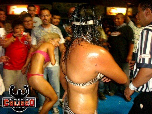 Arena catfight bikini