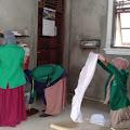 Kelompok KKN 001 Universitas Malikussaleh Lakukan Kerja Bakti Sosial di Meunasah Desa Paya Punteut