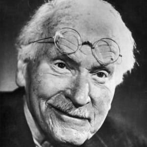 Inspírate con la filosofía de Carl Jung