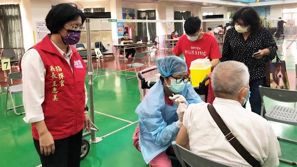 彰化縣長王惠美關心68歲以上長者施打第2劑莫德納情形