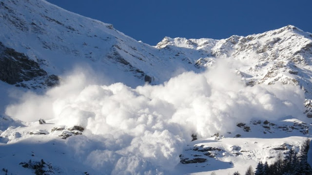 Χιονοστιβάδα στο χιονοδρομικό κέντρο  Καλαβρύτων