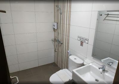 Kamar mandi bersih dan harum di hotel cahaya inn tanah bumbu