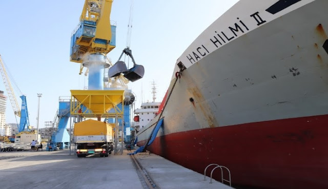 About 132,000 tons of grain is processed by ships at Durrës Port
